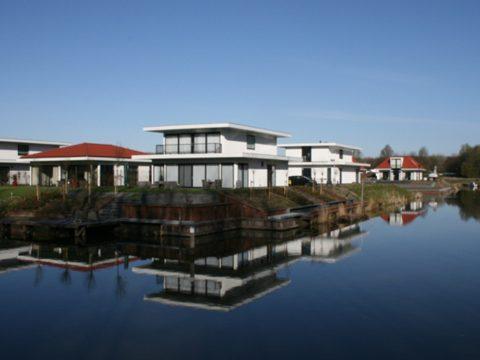 Villa Water 348