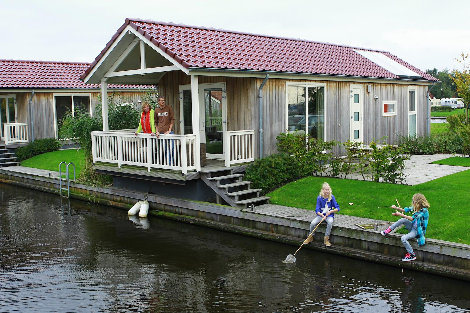 Te koop aan het water - Vis-vakanties.nl